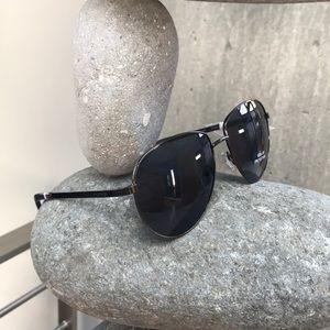 Tommy Hilfiger Aviator sunglasses unisex